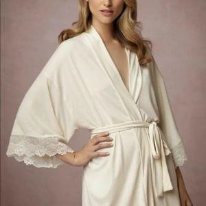 BHLDN  Robe Stretchy Gold  Lace Trim Remove Belt